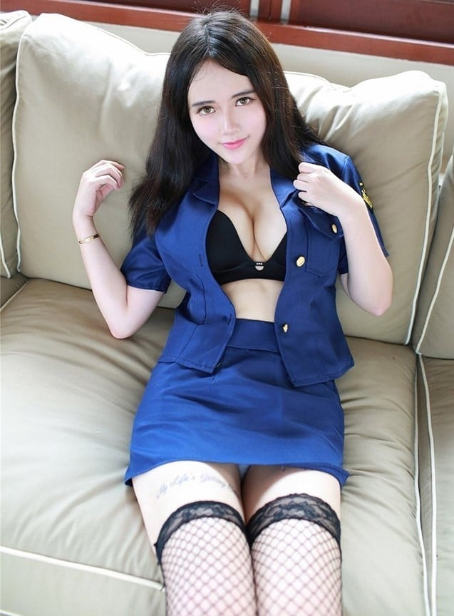 Outcall girl in Hangzhou